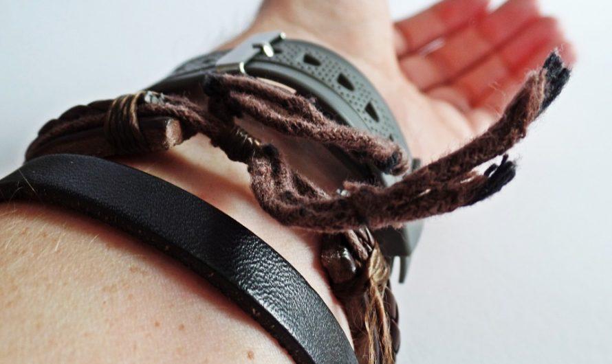 La mode pour enfants : Les bracelets en cuir, origine et signification de cet accessoire
